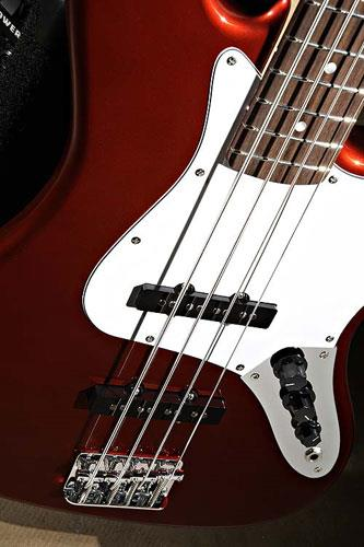 squier affinity j bass pack rumble 15 metallic red keymusic. Black Bedroom Furniture Sets. Home Design Ideas
