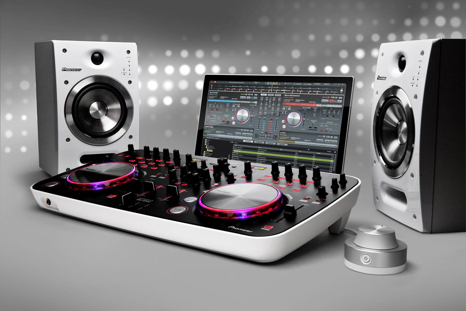 PIONEER DDJ ERGO DJ CONTROLLER PRICE IN INDIA