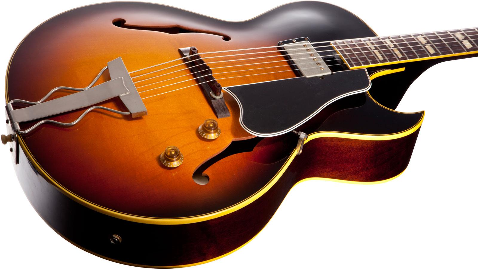 "gibson singles Say ""gibson les paul"" to most guitarists, and they'll immediately think of two (or even three) pickups – whether they are retro p-90s or roaring humbuckers."