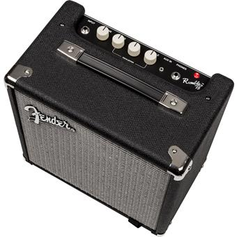 Fender Rumble 15 V3 solidstate bascombo