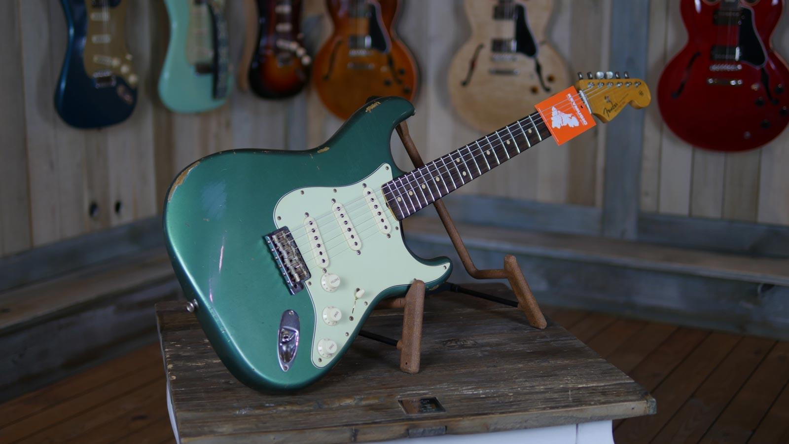 fender custom shop 1964 stratocaster relic faded sherwood green metallic limited edition keymusic. Black Bedroom Furniture Sets. Home Design Ideas
