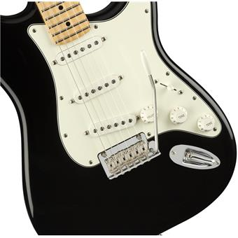 Fender Player Stratocaster MN Black electric guitars