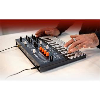 Arturia MicroFreak modelling synthesizer