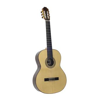 Juan Salvador 10A classical guitar